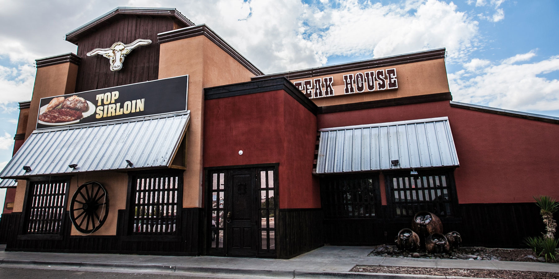 GreatAmericanSteakHouse_Location_ElPaso_Slider_Exterior2